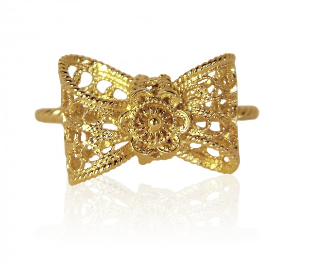 ALebrusan Bow Filigree Small Ring Gold HRes